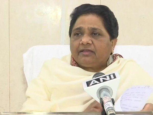 एससी-एसटी के लिए आरक्षित 17 सीटों पर मायावती की पार्टी चुनाव लड़ेगी