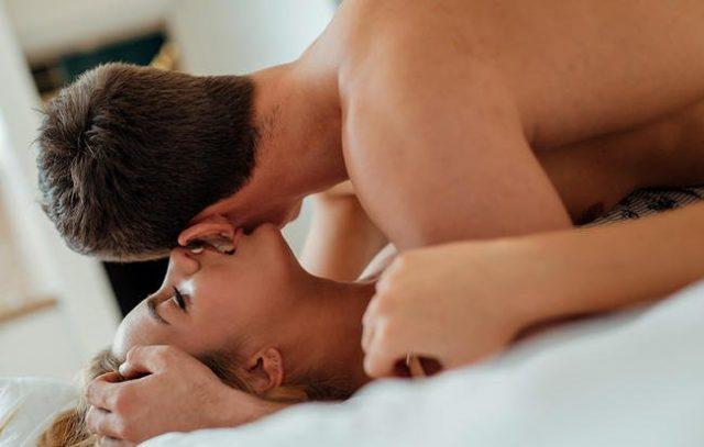 अगर आपकी भी चिढ़चिढ़ी हो गई है सेक्स लाइफ, तो सेक्स डिटॉक्स से ऐसे करें रिचार्ज!