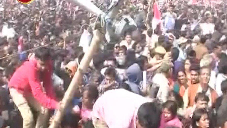 मोदी की रैली में मची भगदड़,  पहली बार पीएम ने किया चौदह मिनट में भाषण समाप्त!