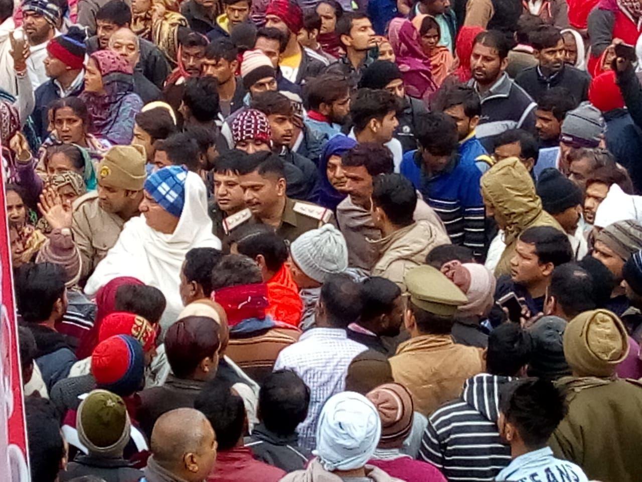 गाजियाबाद: डंफर की चपेट में आकर छात्रा की दर्दनाक मौत