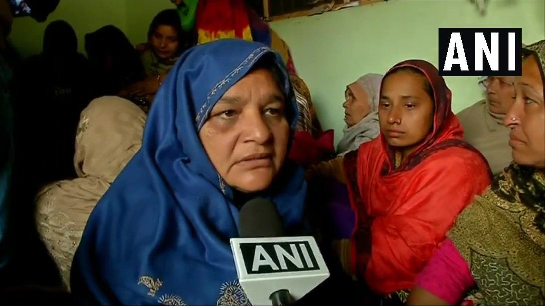 शहीद अजय कुमार की माँ रोते रोते बोलीं, पाकिस्तान इतना भी नहीं बड़ा कि उसे खत्म न किया जा सके