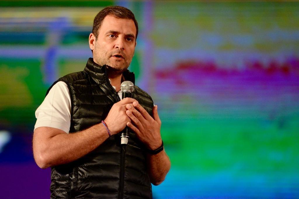 राहुल ने किया खुलासा, लोकसभा में क्यों लगा पीएम मोदी के गले!