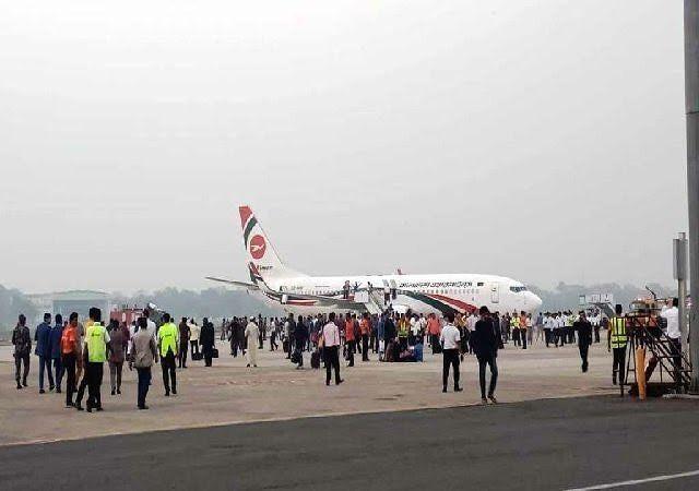 #Breaking : बांग्लादेश में दुबई के विमान को हाईजेक करने की कोशिश, विमान में चली थी गोली