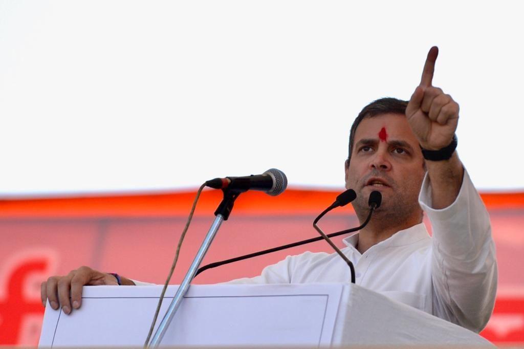 राहुल गाँधी ने झारखंड में बोला पीएम मोदी पर हमला, और किया डांस वीडियो हुआ वायरल