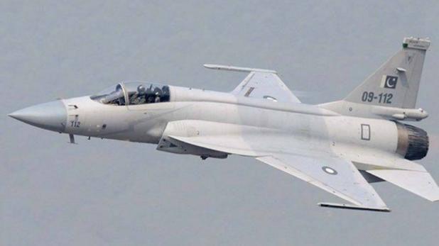 दो पाकिस्तानी लड़ाकू विमानों की पुंछ में घुसने की कोशिश नाकाम, वायुसेना हाई अलर्ट पर