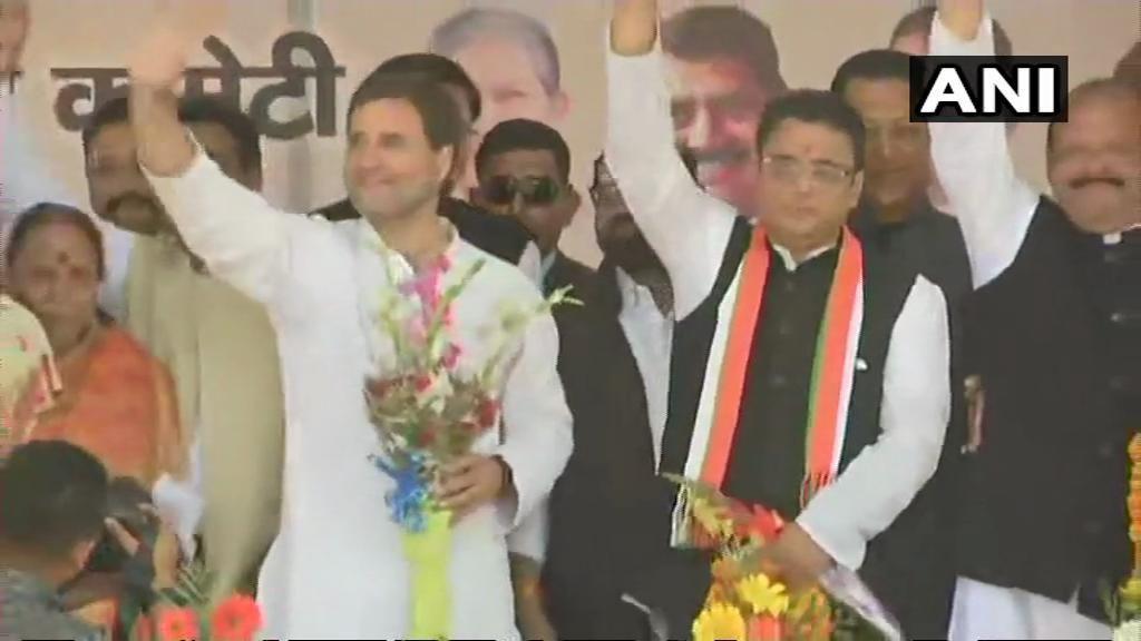LIVE : उत्तराखंड में BJP को झटका, पूर्व सीएम खंडूरी के बेटे मनीष खंडूरी ने थामा कांग्रेस का हाथ