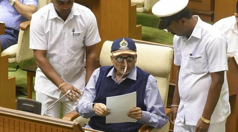 मुख्यमंत्री मनोहर पर्रिकर की हालत बेहद नाजुक, घर के बाहर भारी पुलिसबल तैनात