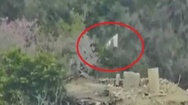 भारत ने सीमा पार चौकी उड़ाकर दिया ऐसा जवाब, पाक सैनिकों ने उल्टा झंडा फहराकर भेजा खतरे का संकेत