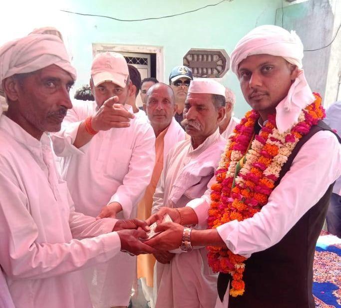 करोड़ों में अजीत बालियान ने ख़रीदा है टिकट, करेंगे अलीगढ का विनाश : दीपक चौधरी