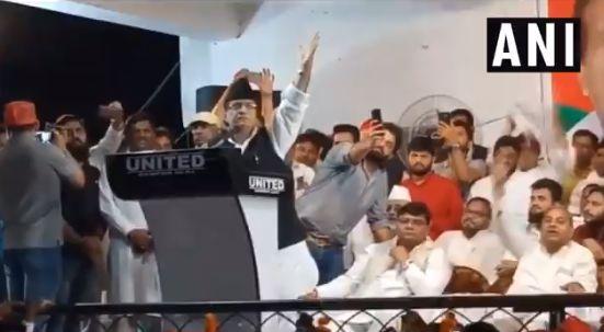 आजम खान ने लगवाए-