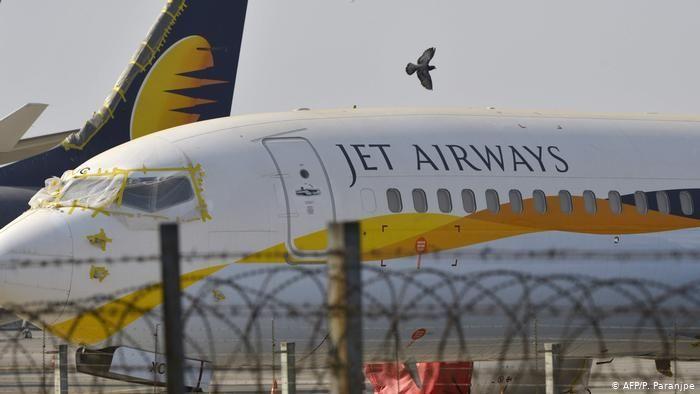 जेट एयरवेज की उड़ान थमी : 22,000 कर्मचारियों के भविष्य का क्या होगा?