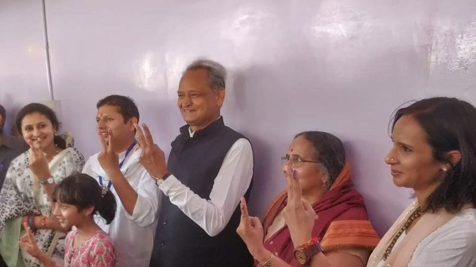 राजस्थान में 13 लोकसभा सीटों पर हो रहा है आज मतदान, 13 सीटों पर कुल 115 उम्मीदवार मैदान में
