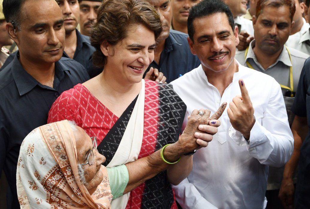 Loksabha Elections Live : वोट डालने के बाद बोलीं प्रियंका गांधी - बीजेपी सरकार का जाना तय