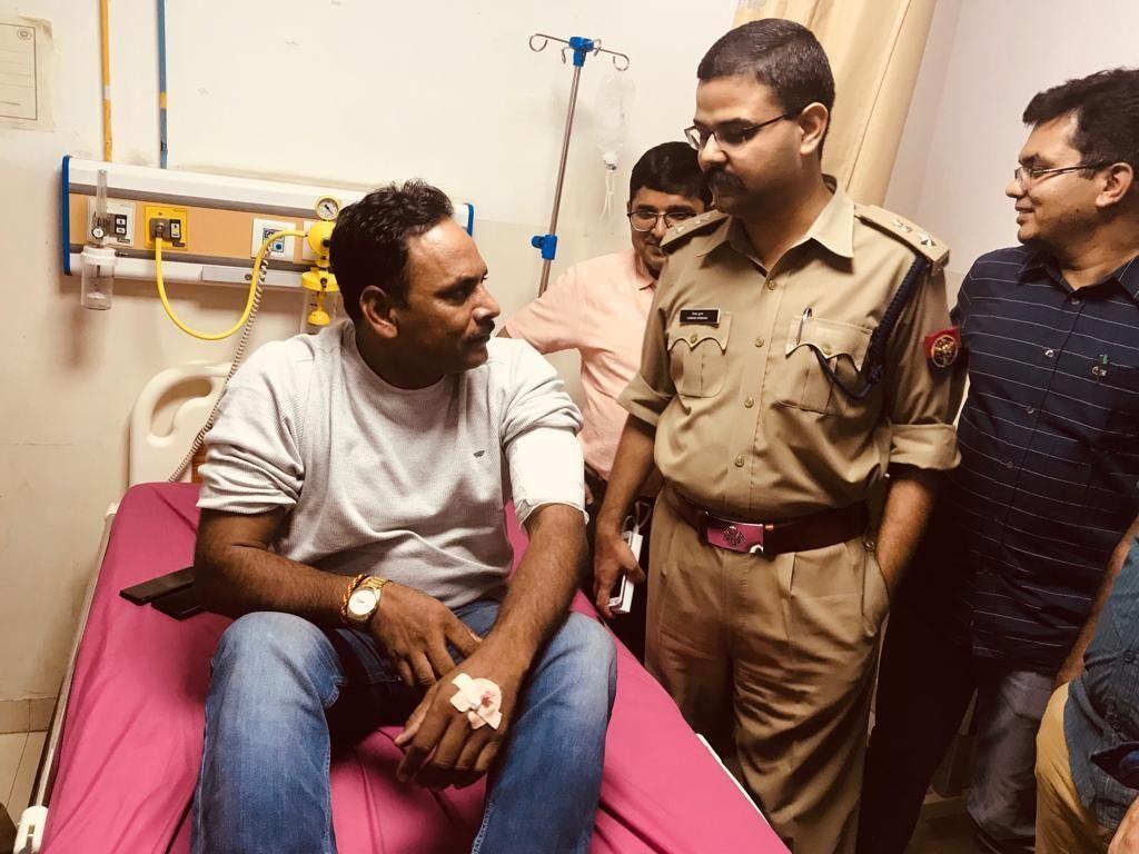 Police encounter in Noida: पुलिस मुठभेड़ में तीन बदमाश गिरफ्तार एक सब इंस्पेक्टर घायल