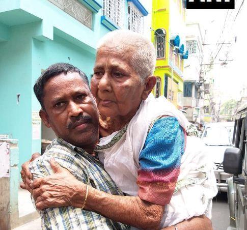 लोकसभा चुनाव - दम दम में वृद्धा ने दिखाया अपना दम