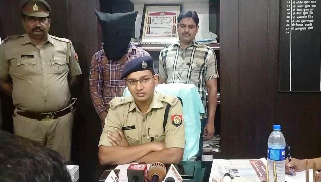 गाजियाबाद पुलिस ने 25 हजार का ईनामी लूट एवं चोरी की घटनाओं में बांछित बदमाश किया गिरफ्तार