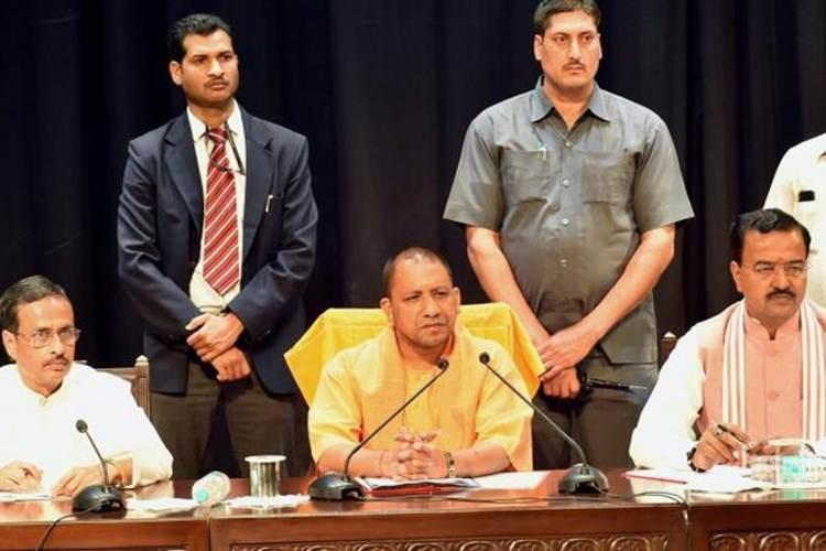 योगी सरकार के तीन मंत्री देंगे इस्तीफा