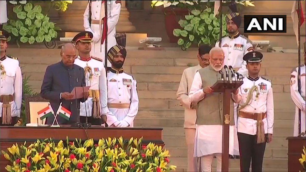 Narendra Modi Oath taking ceremony LIVE : लगातार दूसरी बार नरेंद्र मोदी ने ली PM पद की शपथ, राजनाथ-अमित शाह और गडकरी ने ली शपथ