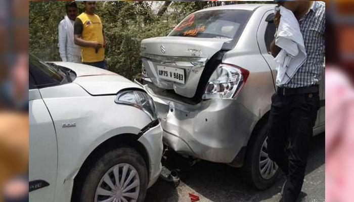 यूपी कैबिनेट मंत्री स्वामी प्रसाद मौर्य के काफिले की कई गाड़ियां टकराई