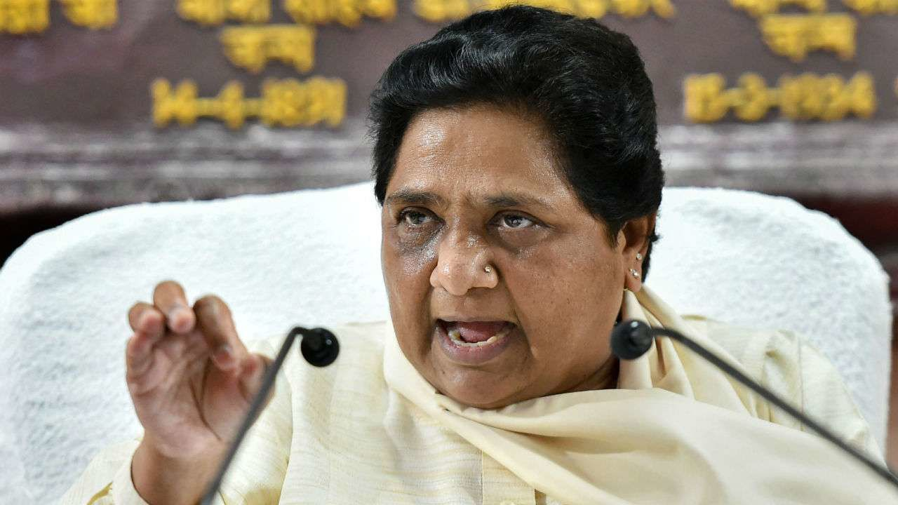 मायावती ने कांग्रेस पर बोला बड़ा हमला, कहा- कांग्रेस अब भी शिवसेना के साथ क्यों?