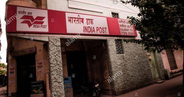 West Bengal : टीएमसी और भाजपा के रण में अब क्यों पिस रहा डाक विभाग