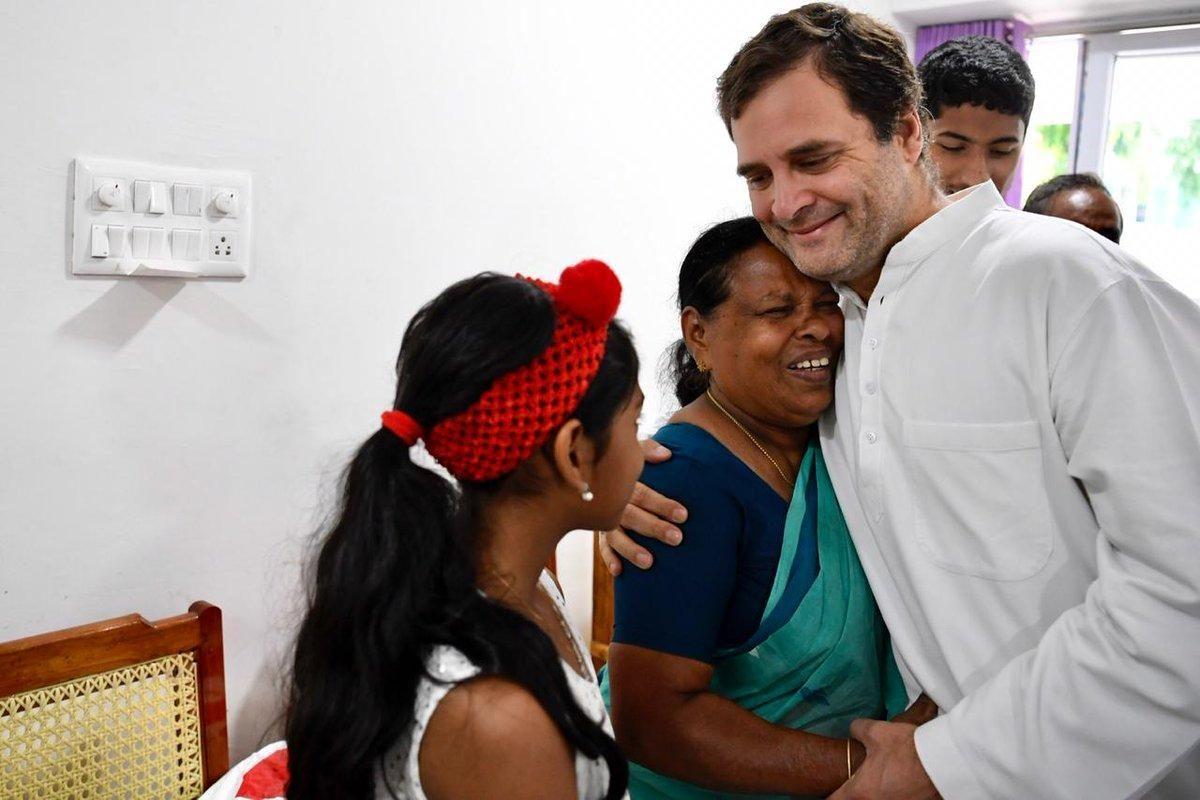 केरल में नर्स राजम्मा से गले मिले राहुल गांधी, जानिए आखिर राहुल के लिए क्यों हैं खास