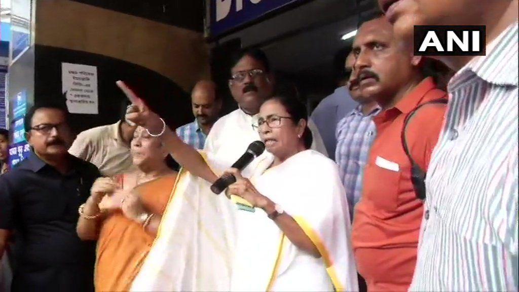 ममता बनर्जी ने हड़ताल करने वाले डॉक्टरों को दी चेतावनी, जल्द लौटे नही तो....