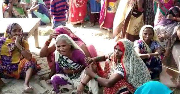 प्रतापगढ़ में किसान को बदमाशों ने जिंदा जलाया