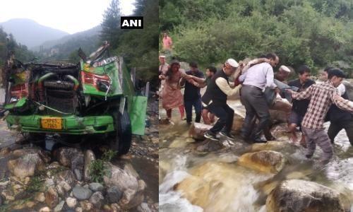 हिमाचल प्रदेश के कुल्लू में बस हादसा में मृतको की सख्या 44 हुई,मुख्यमंत्री ने दुर्घटना की जांच के आदेश दिए