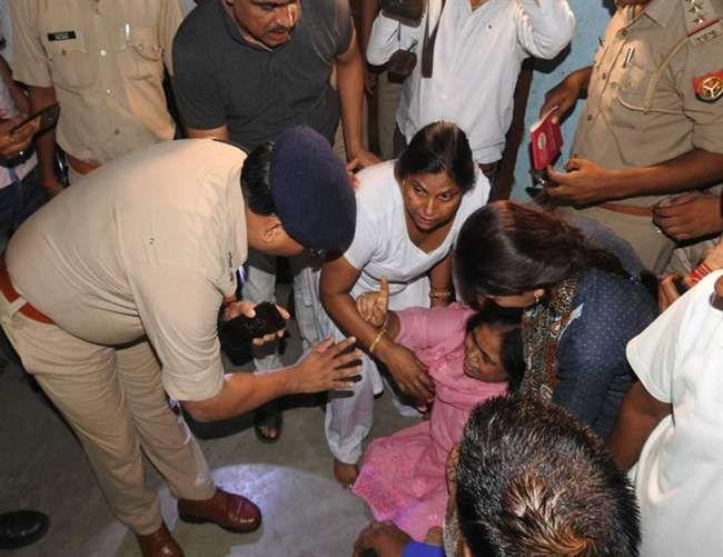 यूपी के हमीरपुर में एक ही मुस्लिम परिवार के दो बच्चों सहित पांच लोगों की निर्मम हत्या से सनसनी