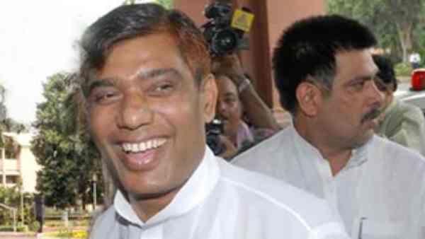 राम विलास पासवान के भाई और सांसद राम चंद्र को हार्ट अटैक, हालत गंभीर