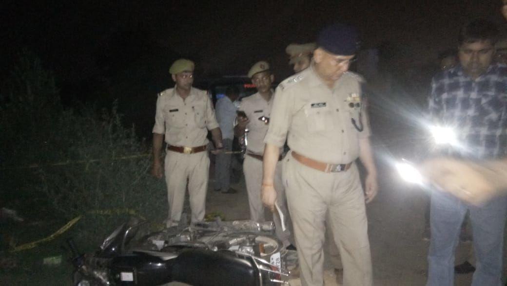 गाजियाबाद में चैकिंग के दौरान दो बदमाशों के साथ हुई पुलिस मुठभेड़, 25000 हजार का इनामिया गिरफ्तार
