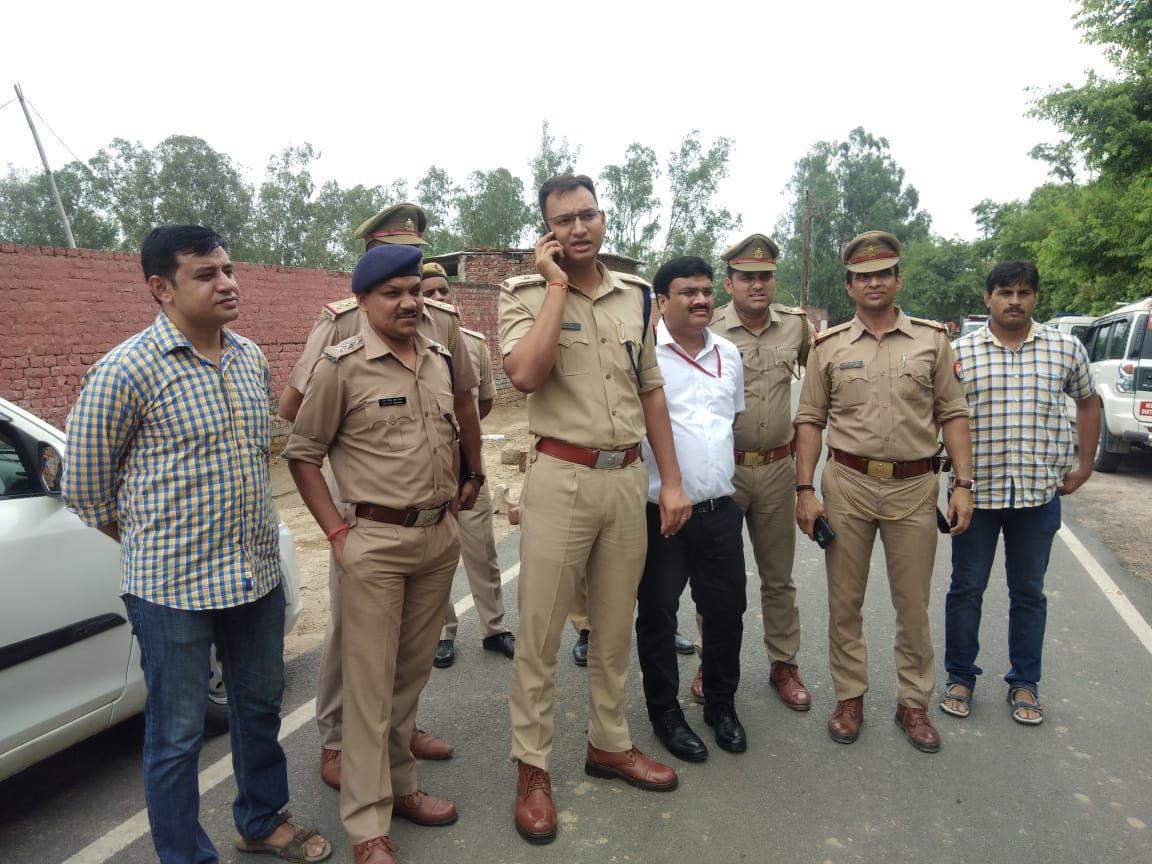 गाजियाबाद पुलिस की बड़ी कामयाबी, मुठभेड़ में 25 हजार रुपये के इनामी बदमाश को किया गिरफ्तार