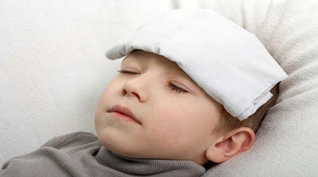 बुखार को 2 मिनट में उतार देगा ये अचूक उपाय