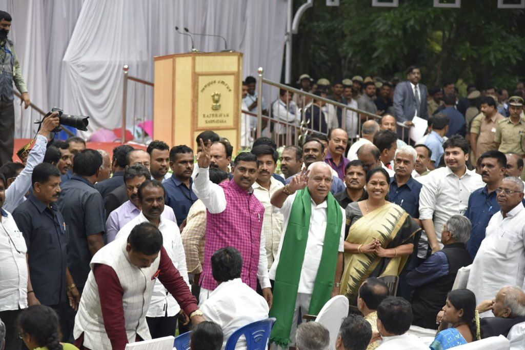 CM बनते ही येदियुरप्पा हुए किसानों पर मेहरबान , दिया ये बड़ा तोहफा