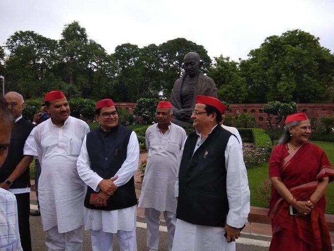 उन्नाव मामले में नेता मिले हंसते और गांधी थे आज भी दुखी क्योंकि?