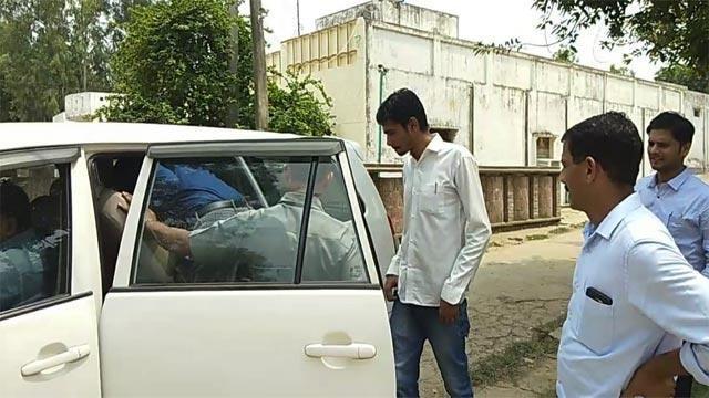 उन्नाव कांड: कुलदीप सेंगर के सहयोगी के बेटे को CBI ने किया गिरफ्तार