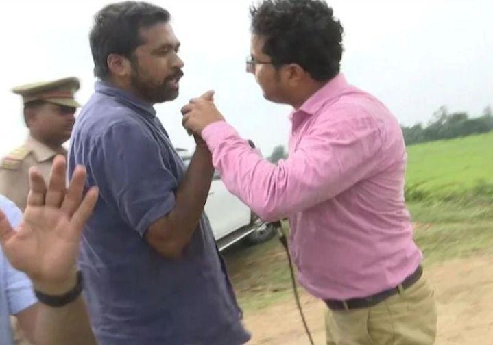 प्रियंका के कार्यकर्ता पत्रकार से बोले, ठोंक के बजा देंगे बीजेपी से पैसा लेकर सवाल करते शर्म नहीं आती!