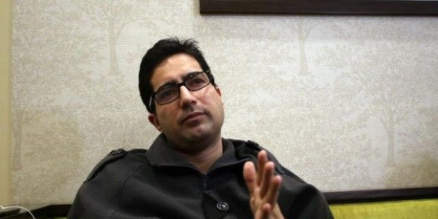 विदेश जा रहे शाह फैसल को दिल्ली पुलिस ने एयरपोर्ट पर रोका, कश्मीर वापस भेजा