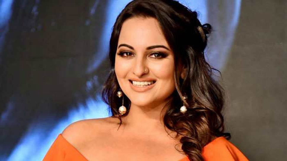 मुरादाबाद:  धोखाधड़ी के आरोप में अभिनेत्री सोनाक्षी सिन्हा ने दर्ज कराया बयान