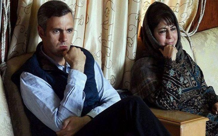 जम्मू-कश्मीर : जानिए- हिरासत में कैसे दिन काट रहे उमर अब्दुल्ला और महबूबा मुफ्ती!