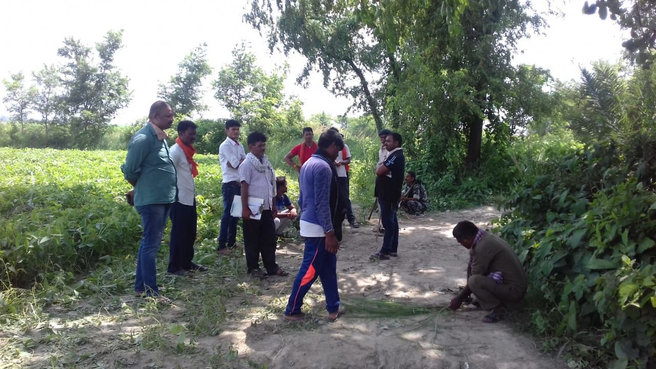 बेगूसराय : घने जंगल में बंद बोरे में अज्ञात लड़की की लाश बरामद होने से क्षेत्र में फैली सनसनी