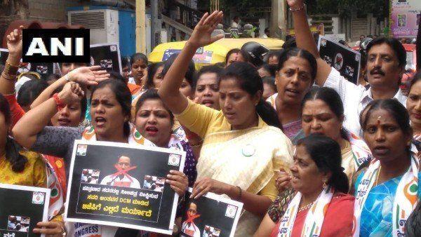 पॉर्न देखने वाले नेता बने डेप्युटी सीएम, महिला कांग्रेस ने किया विरोध प्रदर्शन