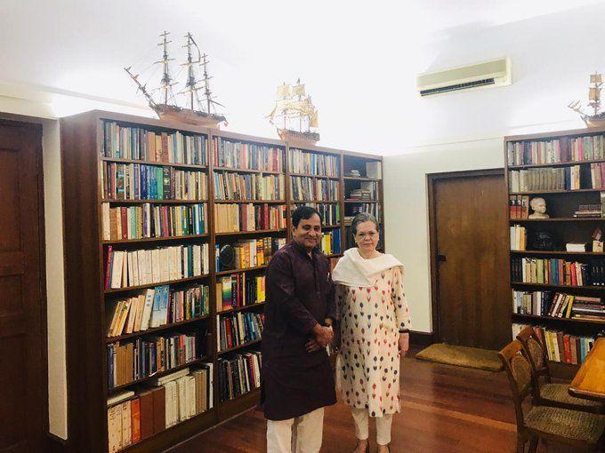 कांग्रेस पार्टी से बिछड़े दो नेता, सोनिया गांधी से मिले