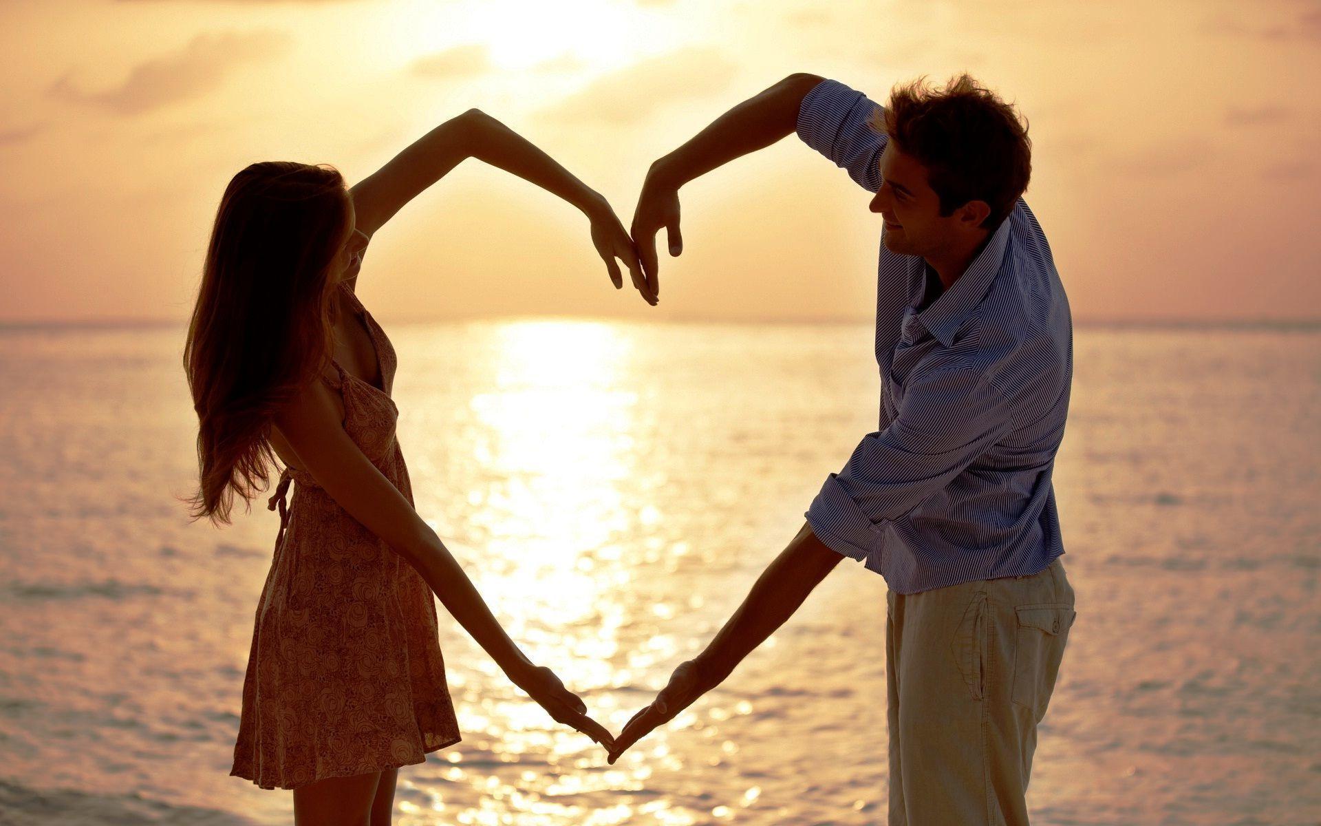 जिंदगी भर प्यार को बनाकर रखना चाहते है तो पार्टनर से कहना न भूलें ये 5 बातें