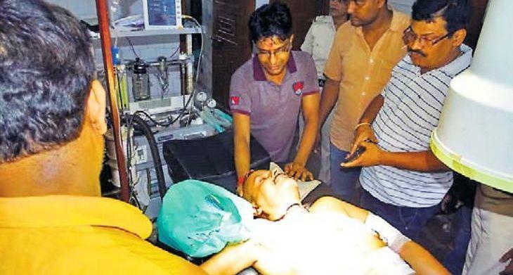 बिहार में बदमाशों के हौसले बुलंद? समस्तीपुर में कारोबारी, उनकी पत्नी और बेटी को बदमाशों ने घर में घुसकर मारी गोली