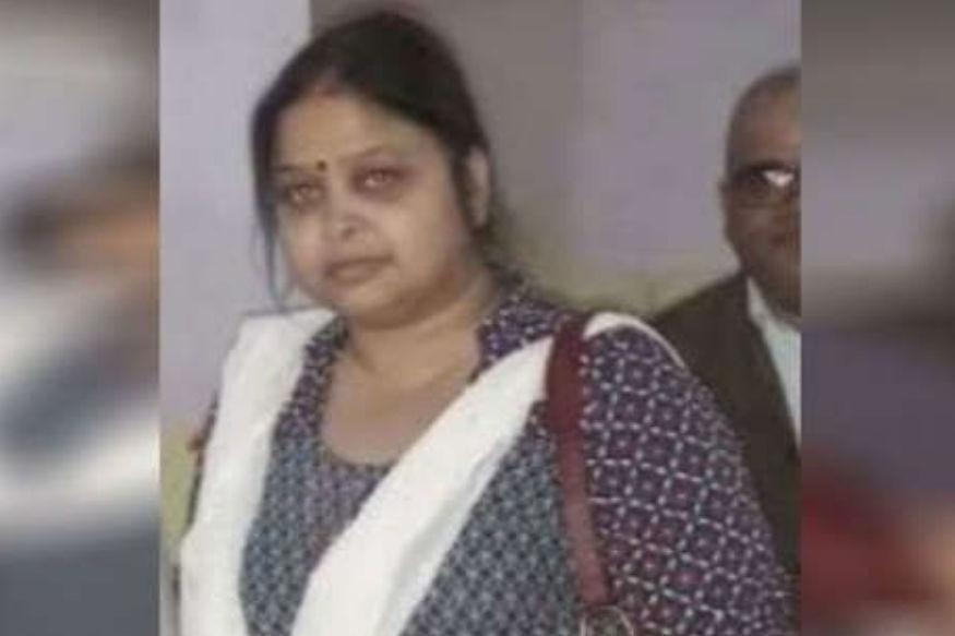 यूपी के इस आईएएस अधिकारी के खिलाफ पत्नी की हत्या का केस दर्ज