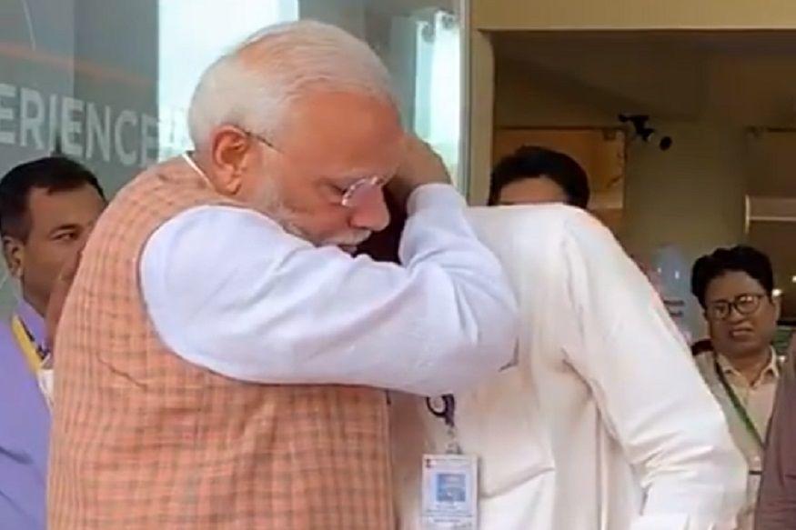 चंद्रयान-2 से संपर्क टूटने के बाद रो पड़े ISRO के चीफ, भावुक होकर PM मोदी ने गले लगाकर बढ़ाया हौसला, देखें वीडियो
