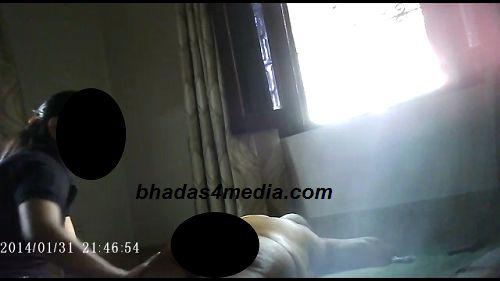 स्वामी चिन्मयानंद का छात्रा से तेल मालिश कराने का ये वीडिया हुआ लीक