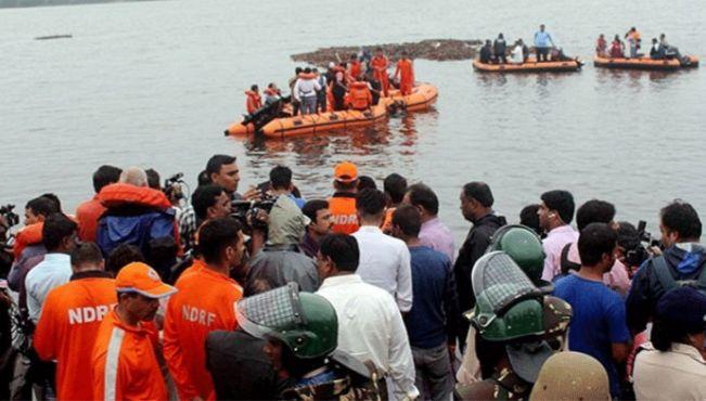 आंध्र प्रदेश में बड़ा हादसा : 61 सैलानियों से भरी नाव नदी में डूबी, 11 की मौत, रेस्क्यू ऑपरेशन जारी